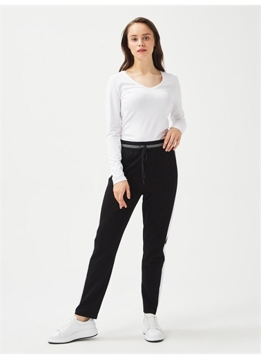 Xint XINT V Yaka Pamuklu Rahat Kesim Uzun Kollu Basic Tişört Beyaz